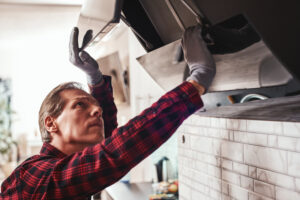 Why You Shouldn't Perform Kitchen Flue Maintenance and Cleaning for Your Lakewood CA Business on Your Own